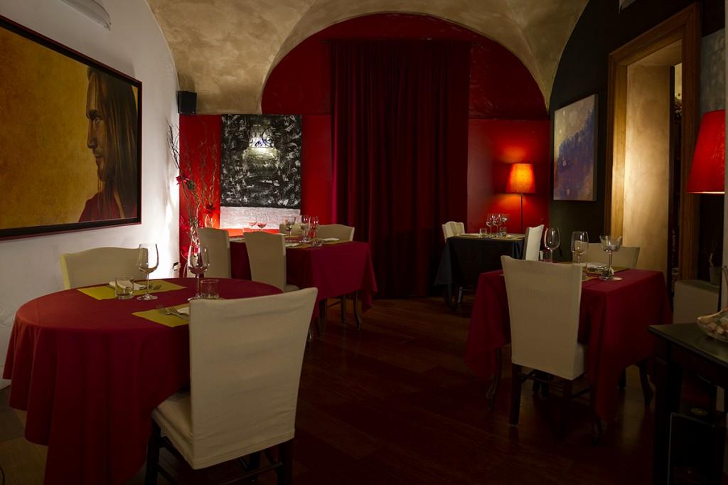 La sala inferiore del Ristorante la Vineria a Brescia
